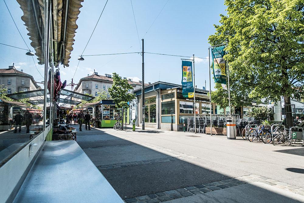 Wo Multikulturalität auf weitläufige Pfade, Wiener Urigkeit und hippe Cafès trifft – 16. Bezirk