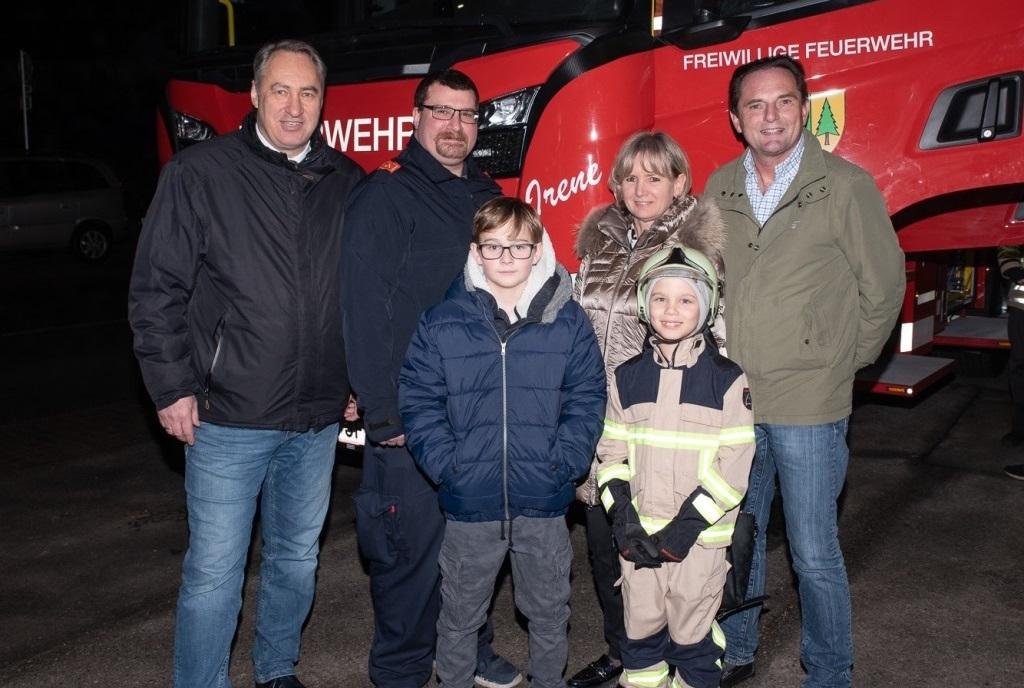 Ankunft des neuen Feuerwehrautos HLF3 in Pressbaum